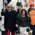 Rachel Bilson et Hayden Christensen amoureux lors d'une sortie shopping à Cannes, le 19 mai 2013