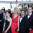 Lucile de San José, Alice Taglioni (bijoux de tête, bague et bracelet collection Princesse Grace de Monaco Montblanc), Johann Dionnet et Pierre Cachia montent les marches du film Blood Ties lors du 66e Festival du film de Cannes, le 20 mai 2013.