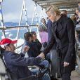 La princesse Charlene de Monaco a passé un moment en compagnie des handicapés qui assistaient gratuitement aux essais du Grand Prix de Monaco le 25 mai 2013 à Monaco, une volonté du couple princier