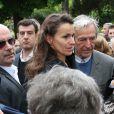 Aurélie Filippetti et le réalisateur Costa-Gavras - Obsèques de Georges Moustaki au Père-Lachaise à Paris. Le 27 mai 2013.