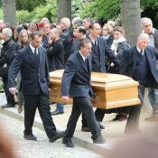 Obsèques de Georges Moustaki : Sa fille, Guy Bedos et ses proches bouleversés