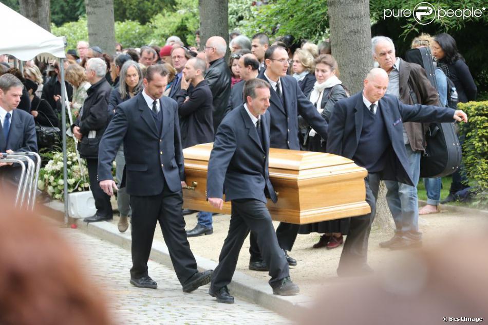 Obsèques de Georges Moustaki au Père-Lachaise à Paris. Le 27 mai 2013.