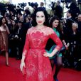 """Dita Von Teese - Montée des marches du film """"Ma vie avec Liberace"""" lors du 66eme Festival du film de Cannes, le 21 mai 2013."""