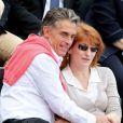 Gerard Holtz et son épouse Muriel Mayette à Roland-Garros le 1er juin 2013.
