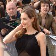 Angelina Jolie ravissante pour la première mondiale de World War Z, à l'Empire Leicester Square, Londres, le 2 juin 2013.