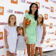 Angie Harmon et ses trois adorables filles au 7e Kidstock Music and Art Festival au manoir Greystone à Beverly Hills, le 2 juin 2013