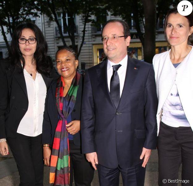 Yamina Benguigui, Christiane Taubira, François Hollande et Aurélie Filippetti - Anniversaire de la Fondation Culture et Diversité au théâtre du Rond-Point à Paris le 3 juin 2013.
