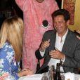 """Christophe Beaugrand déguisé en cochon avec Laurent Gerra et sa compagneà la soirée """"La charcuterie fait son show"""" au Chalet du Lac à Paris le 10 juin 2013."""