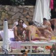 Tamara Ecclestone et son fiancé Jay Rutland profite du soleil de la Côte d'Azur en compagnie de leurs amis et proches au Grand Hôtel du Cap Ferrat le jour de son mariage, le 11 juin 2013