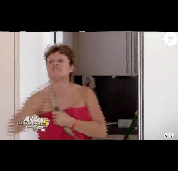 Fred pète un câble dans les Anges de la télé-réalité 5, mercredi 12 juin 2013 sur NRJ12