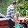 Ben Affleck en compagnie de sa fille Violet à Brentwood, le 11 juin 2013.
