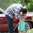 Ben Affleck va chercher sa fille aînée Violet à l'école à Brentwood, le 11 juin 2013.