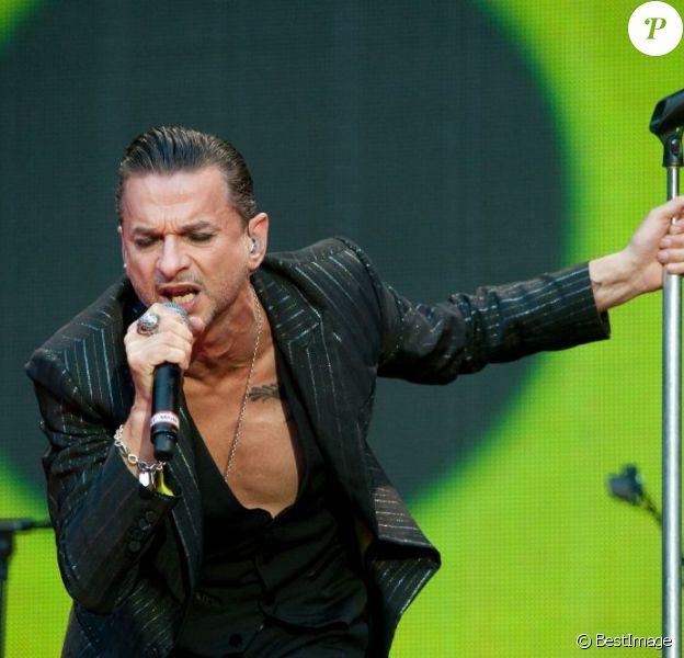Dave Gahan ultrasexy lors du concert de Depeche Mode au Stade de France, le 15 juin 2013.