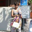 Halle Berry, enceinte, à la sortie d'une réunion parents/professeurs à l'école de sa fille Nahla à Los Angeles, le 20 Juin 2013. Elle en ressort avec des oeuvres de sa fille. Le 20 juin 2013 à Los Angeles.