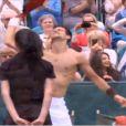 Novak Djokovic et Grigor Dimitrov se sont lancés dans un petit strip-tease le 20 juin 2013 lors du tournoi de The Boodle à Londres