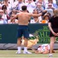 Grigor Dimitrov s'est lui aussi déshabillé sous la pression de Novak Djokovic lors du tournoi de the Boodler à Londres, le 20 juin 2013