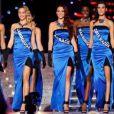 Alison Cossenet et Delphine Wespiser lors du concours Miss France 2012 sur TF1.