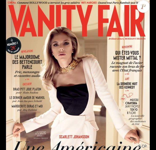 Scarlett Johansson figure sur la couverture du premier numéro du magazine Vanity Fair France. Photo par Mark Seliger.
