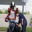 Exclusif - Josh Hutcherson fait de la moto avec sa nouvelle petite amie Claudia Traisac, rencontrée sur le tournage de Paradise Lost, à Los Angeles, le 22 juin 2013