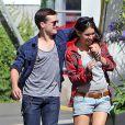Exclusif - Josh Hutcherson se promène avec sa nouvelle petite amie Claudia Traisac à Los Angeles, le 22 juin 2013