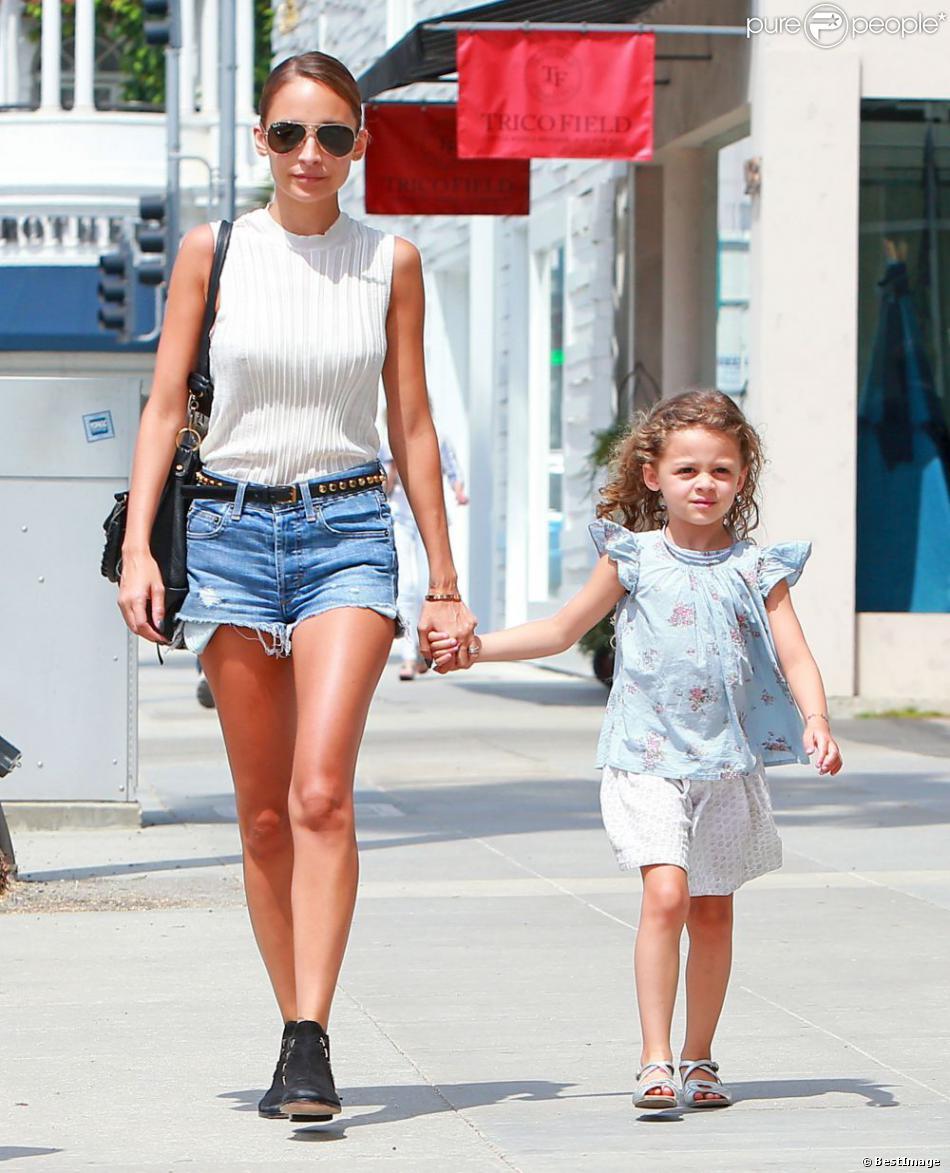 Nicole Richie : Look au top pour une séance de shopping ...