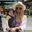 Rachel Zoe et son fils Skyler à Los Angeles, le 5 juillet 2013.