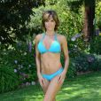 Lisa Rinna dans son bikini bleu à une poop party, à Beverly Hills, le 5 juillet 2013