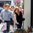 "Jennifer Aniston avec Will Forte sur le tournage du film ""Squirrels to the Nuts"" à New York le 17 juillet 2013."