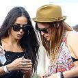 Demi Moore en toute complicité avec sa fille Rumer avant la prestation de cette dernière au festival The Lot Party L.A à Los Angeles, le 14 juillet 2013.