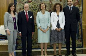 Princesse Letizia : Rouge ou blanche, ses robes courtes annoncent les vacances