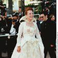 Bernadette Lafont sur le tapis rouge du Festival de Cannes 1997