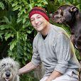 Sam Simon, le co-créateur des Simpson, avec ses chiens