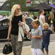 Gwen Stefani et ses deux garçons Kingston et Zuma poursuivent leur visite des lieux symboliques de Londres, le 2août 2013.