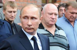 Vladimir Poutine : Très ému aux obsèques de son ex-prof de judo...