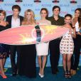 Pretty Little Liars : Ashley Benson, Keegan Allen, Sasha Pieterse, Troian Bellisario, Ian Harding, Janel Parrish et Shay Mitchell aux Teen Choice Awards 2013 au Gibson Amphitheatre de Los Angeles, le 11 août 2013.