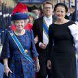 La princesse Beatrix des Pays-Bas et la princesse Mabel d'Orange-Nassau lors de l'intronisation du roi Willem-Alexander des Pays-Bas le 30 avril 2013 à Amsterdam.