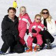 Le prince Friso d'Orange-Nassau, la princesse Mabel et leurs filles les comtesses Luana et Zaria à Lech en Autriche en février 2011, un an avant l'accident de ski fatal au fils de Beatrix des Pays-Bas.