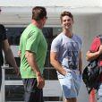 Exclusif - Arnold Schwarzenegger et son fils Patrick déjeunent dans le quartier de Brentwood à Los Angeles, le 16 aout 2013.