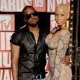 Kanye West et sa compagne de l'époque Amber Rose lors des MTV Video Music Awards 2009.