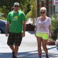 Britney Spears et son boyfriend David Lucado vont déjeuner au restaurant à Encino, le 25 août 2013.