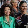 """""""La princesse Victoria et sa mère la reine Silvia de Suède à la cérémonie de remise du Polar Music Prize 2013 à Youssou N'Dour et Kaija Saariaho, le 27 août 2013 à Stockholm"""""""