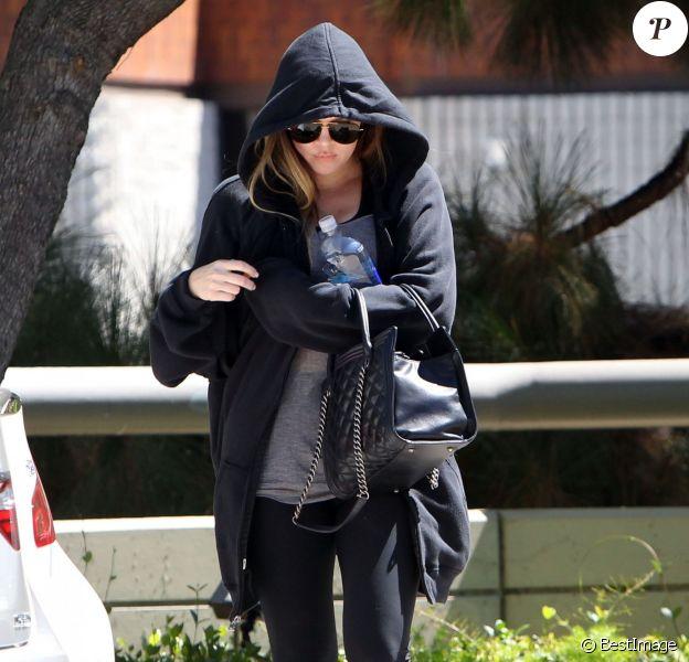 Khloe Kardashian essaie d'être le plus discrète possible en se rendant à son cours de gym à Los Angeles, le 29 août 2013.