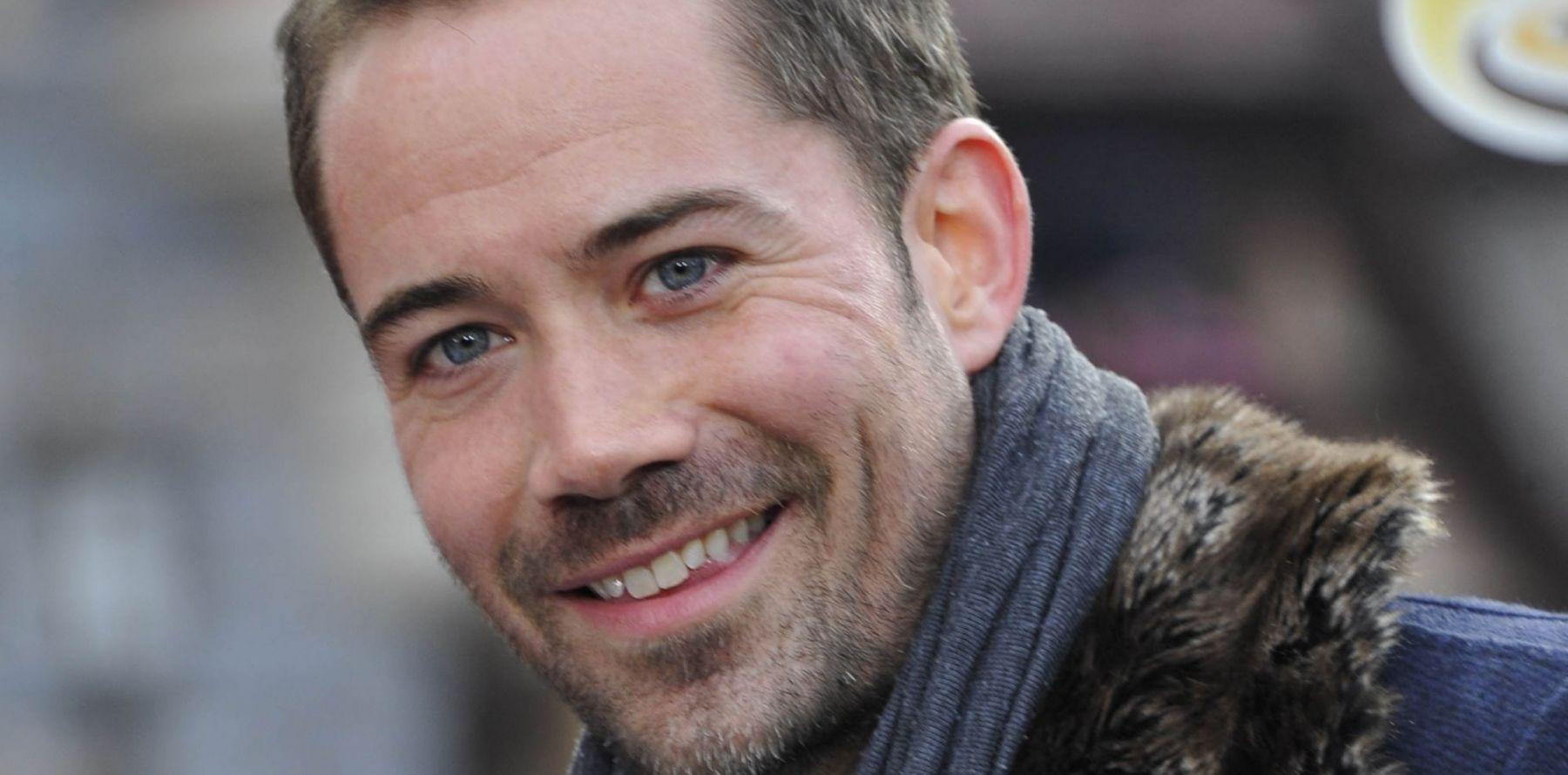 rencontre gay disneyland paris à Cannes