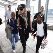 Madonna et sa tribu sur le départ après leur week-end avec Brahim Zaibat