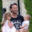 Exclusif - L'ex-joueur de tennis Carlos Moya fête ses 37 ans avec sa femme Carolina Cerezuela et leurs deux enfants à Majorque en Espagne le 27 août 2013.