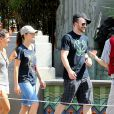 Exclusif - Chris Evans et Minka Kelly s'éclatent à Disneyland à Anaheim en Californie, le 4 septembre 2013.