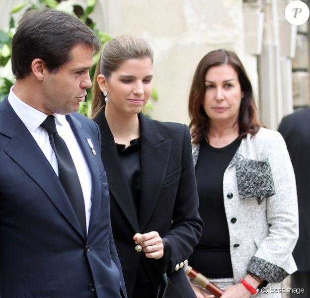 Carmen Martinez-Bordiu avec son fils Louis de Bourbon et sa belle-fille Maria Margarita lors des obsèques d'Emmanuelle de Dampierre en mai 2012