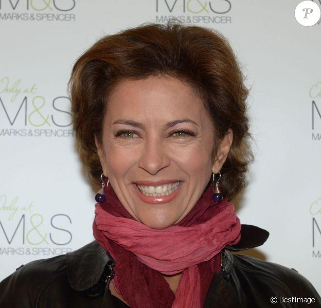Corinne Touzet - Inauguration de la boutique Marks & Spencer au centre commercial So Ouest à Levallois le 17 octobre 2012.