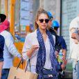 Jessica Alba, stylée et détendue au cours d'une sortie-shopping dans le quartier de SoHo. New York, le 10 septembre 2013.