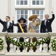 Le prince Constantijn et la princesse Laurentien avec le couple royal au balcon du palais Noordeinde. Cérémonies du Prinsjesdag  (''Jour du prince''), le 17 septembre 2013 à La Haye. Le roi Willem-Alexander des Pays-Bas, entouré de son épouse la reine Maxima, de son frère le prince Constantijn et de sa belle-soeur la princesse Laurentien, accomplissait pour la première fois au Binnenhof, sur le Trône de la Salle des Chevaliers, le rituel marquant l'ouverture de l'année politique, avant de rallier le palais Noordeinde pour saluer la foule de ses sujets.